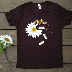 Daisy Love T-shirt - Angela Josephine